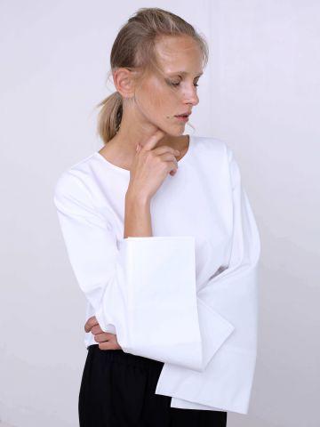 חולצת קשירות בגב