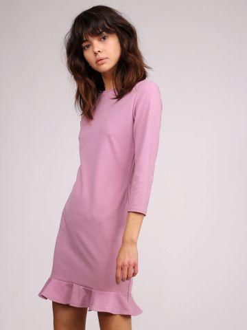שמלה עם סיומת פפלום