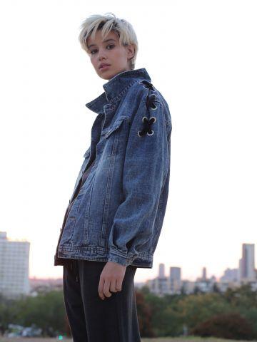 ג'קט ג'ינס אוברסייז עם קשירות