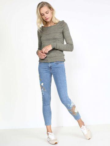 ג'ינס סקיני רקמת פרחים