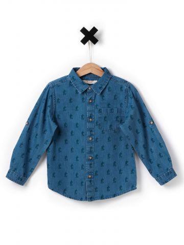 חולצת ג'ינס עם הדפס