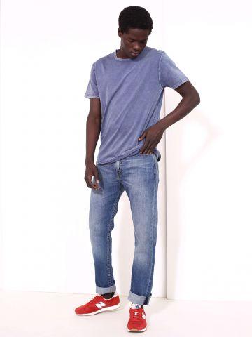 ג'ינס גזרה ישרה בשטיפה בהירה 513