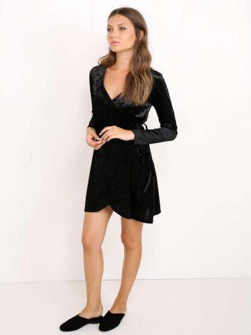שמלת קטיפה מעטפת
