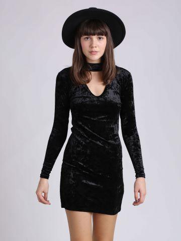 שמלת מיני עם צ'וקר