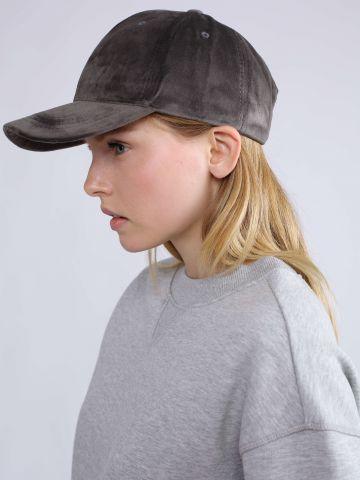 כובע מצחיה דמוי זמש