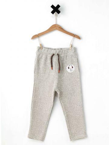 מכנסיים עם פאץ'