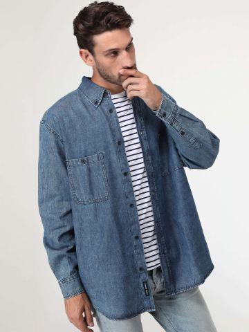 חולצת ג'ינס ווש עם כיסים בחזית