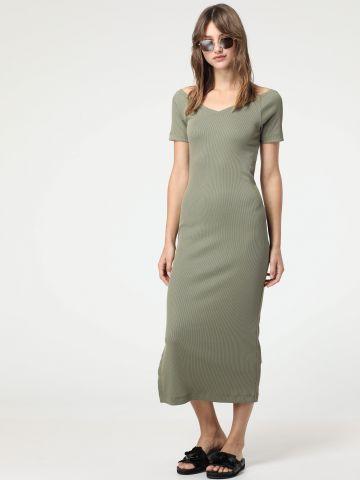 שמלת ריב מקסי עם שסע
