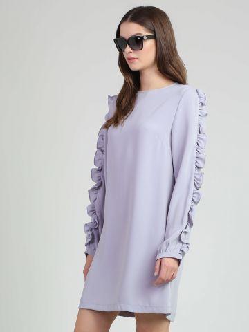 שמלה עם מלמלות בשרוולים
