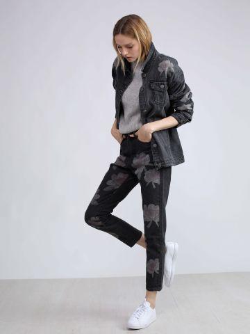 מכנסי ג'ינס עם הדפס פרחים