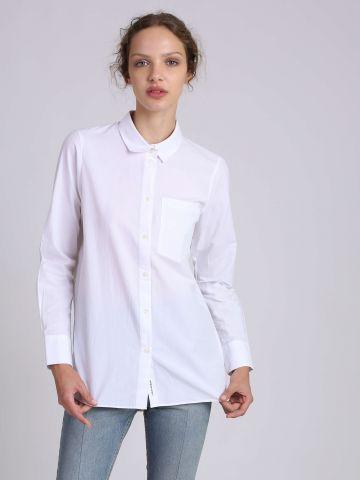 חולצה מכופתרת עם רכיסה בגב