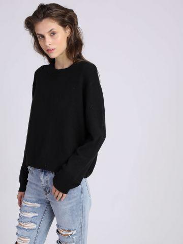 סוודר עם פתח בגב