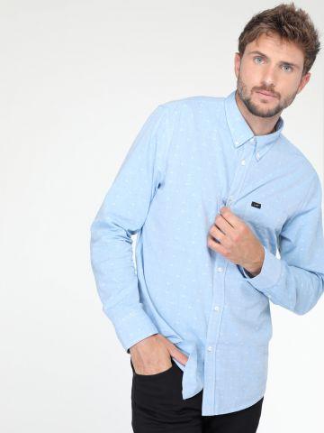 חולצה מכופתרת עם עיטורי רקמה קטנים