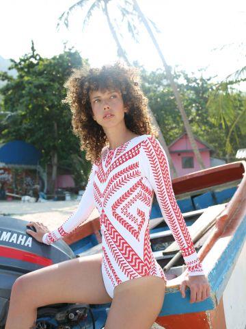 בגד ים שלם עם שרוולים ארוכים בהדפס משולשים Long X