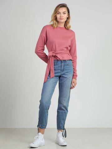 מכנסי ג'ינס בגזרת MOM