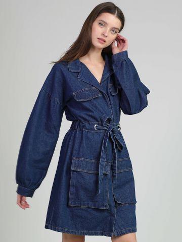שמלת ג'ינס עם קשירה במותן