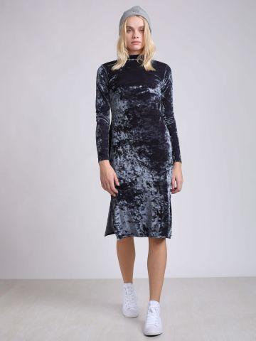 שמלת קטיפה באורך מידי