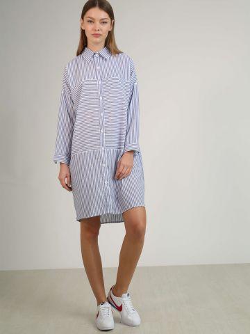 שמלה מכופרת עם פסים דקים