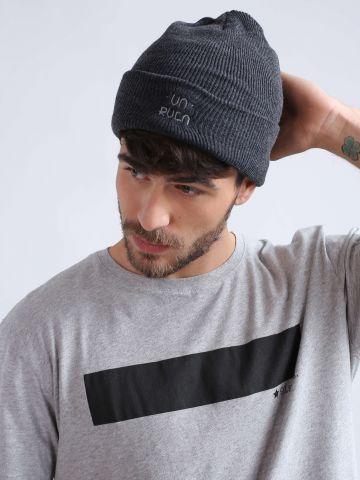 כובע גרב עם רקמת לוגו המותג