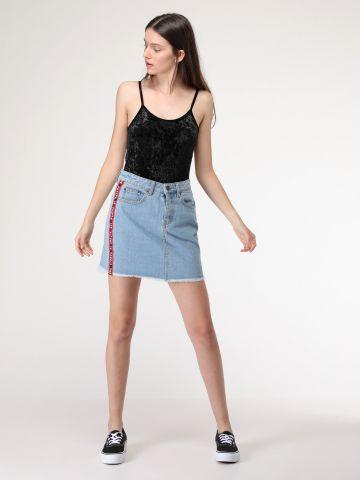 חצאית ג'ינס עם פסים בצדדים Future female