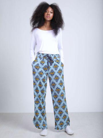 מכנסי פיג'מה עם הדפס ומלמלה