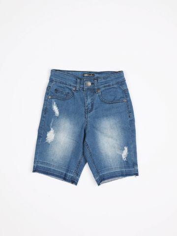 ג'ינס קצר עם הלבנה בעיטור קרעים / בנים