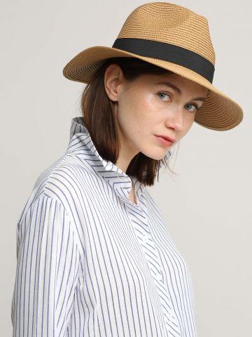 כובע קש עם סרט