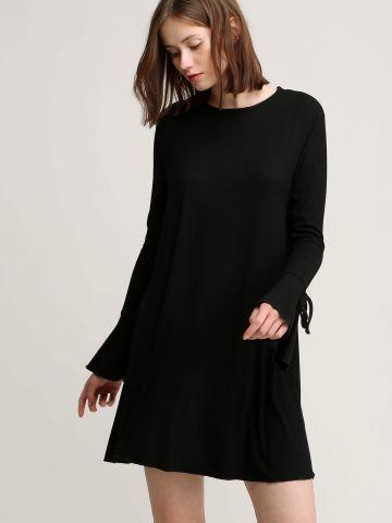 שמלת ריב עם קשירות בשרוולים
