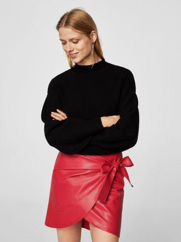 חצאית דמוי עור עם קשירה