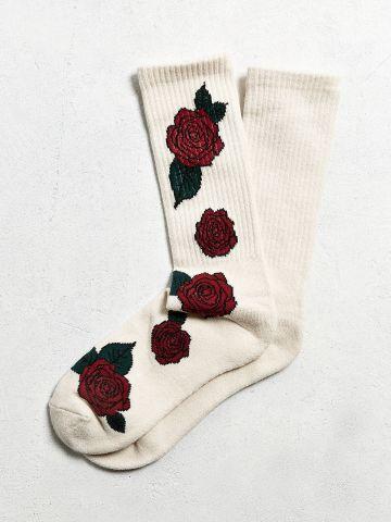 גרביים עם הדפס ורדים