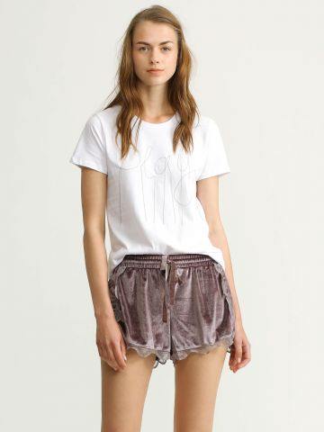מכנסי קטיפה קצרים עם מלמלה