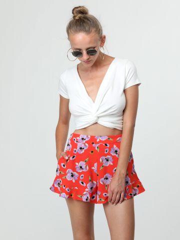 מכנסיים קצרים בהדפס פרחים עם סיומת מלמלה