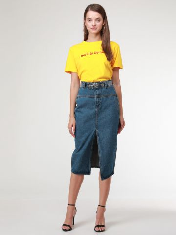 חצאית ג'ינס מידי בסגנון עיפרון עם שסע