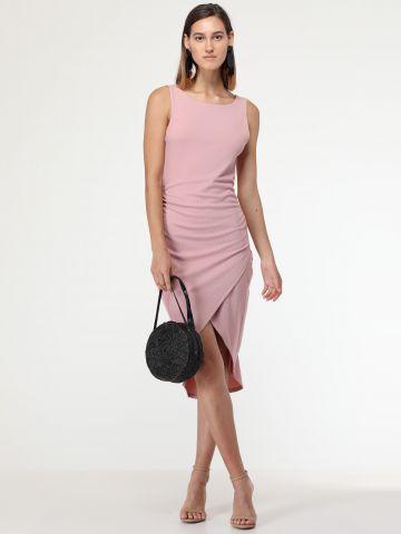 שמלה בעיטור קשירה בגב וסיומת אסימטרית