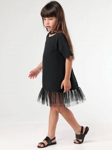 שמלה עם סיומת טול