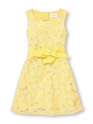 שמלה עם רקמת פרחים וקשירה במותן