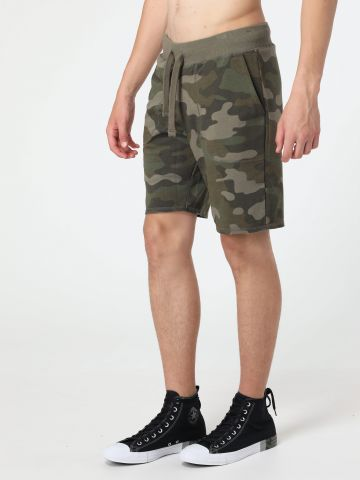 מכנסי טרנינג קצרים קמופלאז'