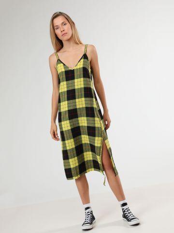 שמלת מידי משבצות עם סטריפ לוגו רץ