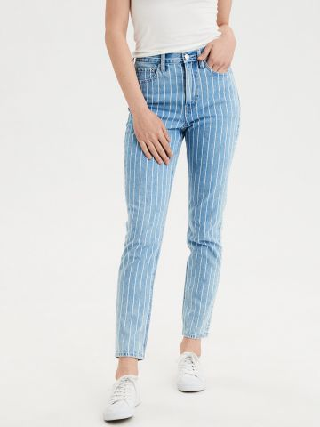 ג'ינס Mom בשטיפה בהירה עם פסים דקים