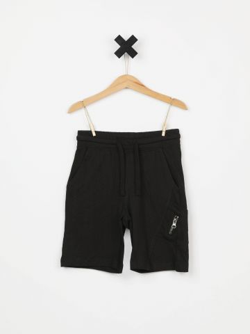 מכנסי טרנינג קצרים עם כיס צדדי / בנים