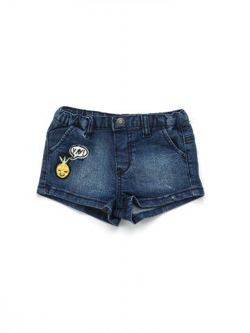 ג'ינס קצר עם פאצ'ים