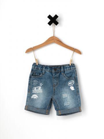 ג'ינס ברמודה עם הדפסי איורים