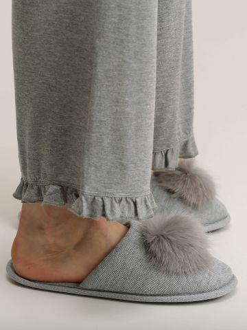 נעלי בית עם פונפונים