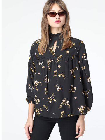 חולצת פפלום צווארון גבוה בהדפס פרחים