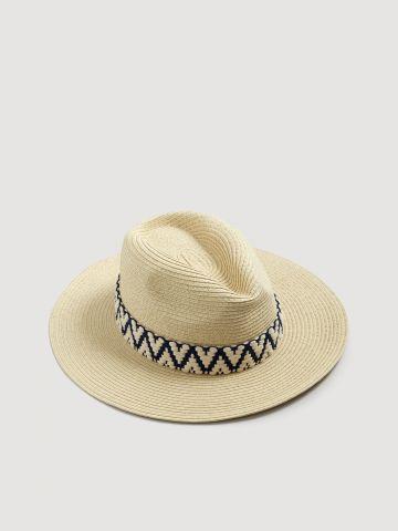 כובע קש עם פס רקמה