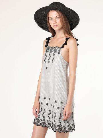 שמלת מיני עם עיטורי רקמה בעבודת יד