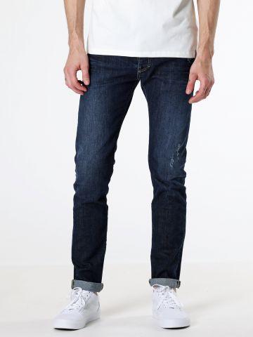מכנסי סקיני ג'ינס