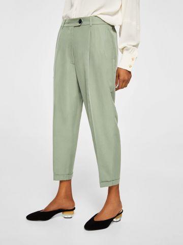 מכנסיים מחויטות