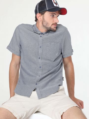 חולצה מכופתרת בהדפס פסים