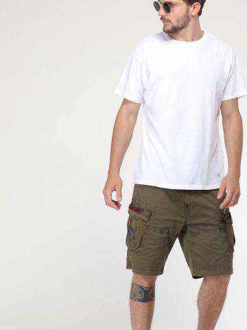 מכנסי דגמ״ח קצרים עם פאץ' לוגו